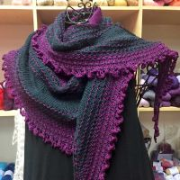 Crescent-Shaped Shawl *NellieM*
