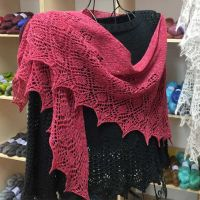 Crescent-Shaped Shawl *Galanta*