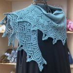 Crescent-Shaped Shawl *Jenny*