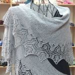 Crescent-Shaped Shawl *LazyRoma*