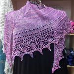 Crescent-Shaped Shawl *LazyGreta*